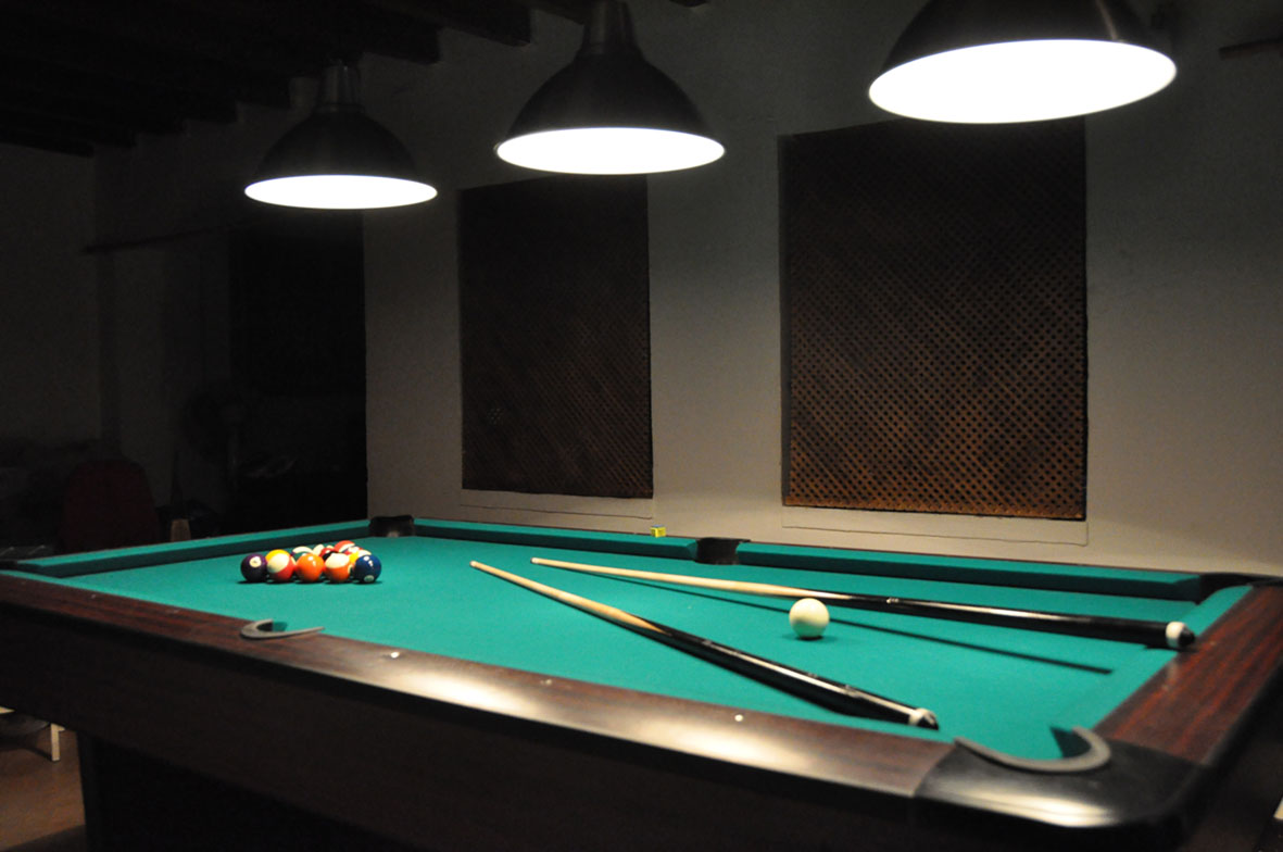 The villa professional pool table in Granada